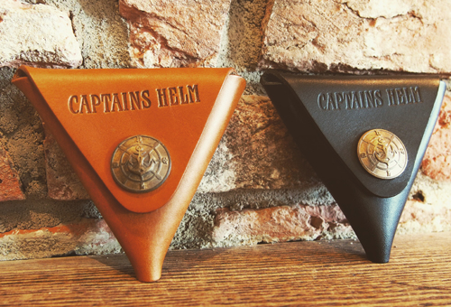 CAPTAINS HELM ×BUTTON WORKS CH CONCHO LEATHER COIN CASE